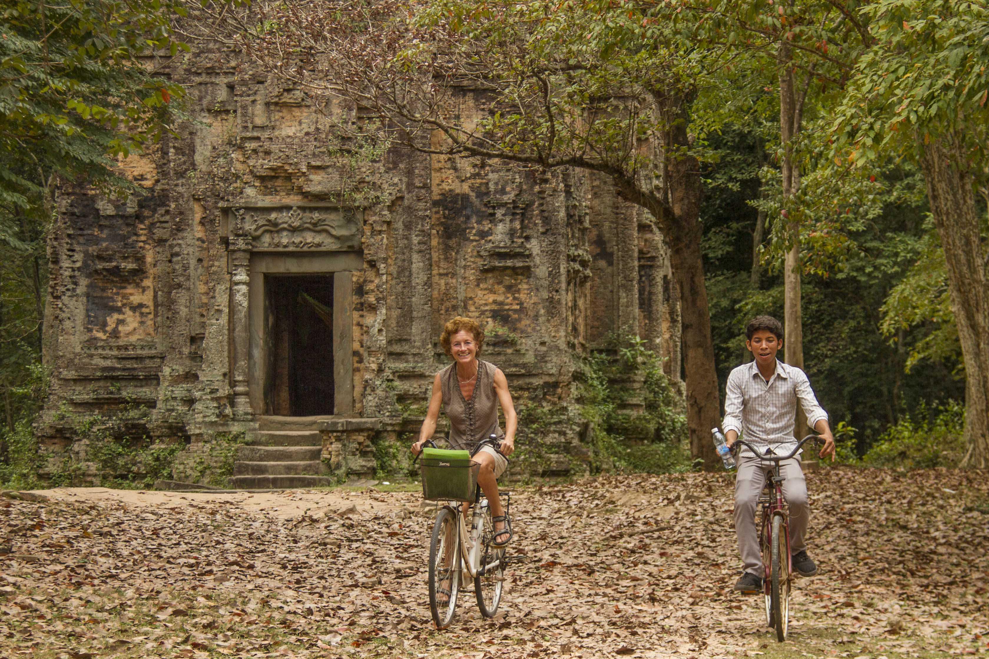 Conny in Cambodja met gids - Travel Trend